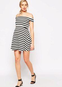 Раирана рокля за бременни