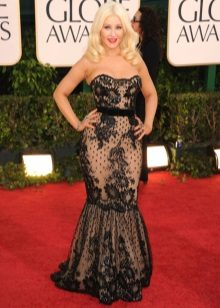 Dresses for figure type Pear (triangle) - Christina Aguilera