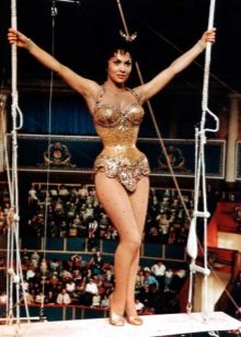 Gina Lollobrigida - figura clepsidră
