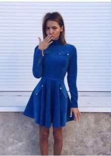 Velvet lyhyt, pitkähihainen mekko