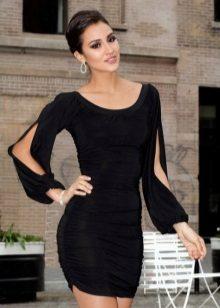Pitkähihainen mekko