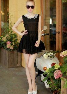 Svart kort gjennomsiktig kjole med høy midje