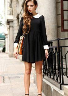 Kjole med høy midje for tynn