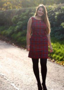 Rode geruite jurk voor vrouwen met overgewicht