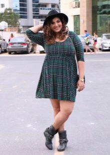 Groene geruite jurk voor vrouwen met overgewicht