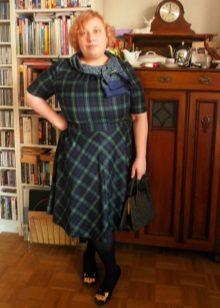 Jurk in halflange lengte voor vrouwen met overgewicht