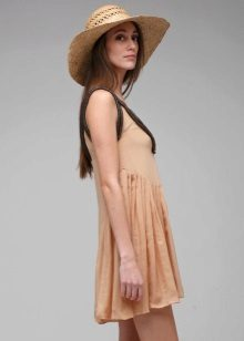 בז 'עם שמלה