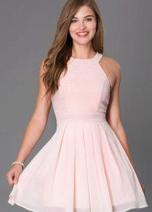 Pink flared kjole fra midjen