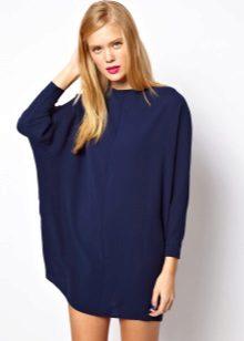 Blå flakket flaggermus kjole