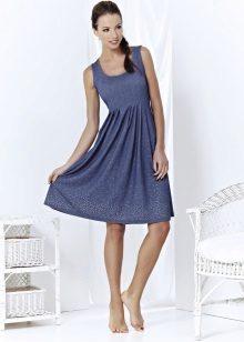Flared kjole med høy midje midi lengde