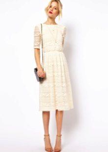 Flared beige midi lengde kjoler