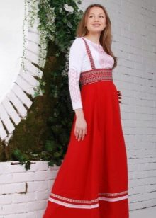 Moderne Russische jurk
