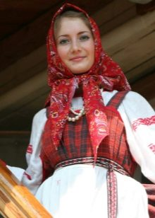 Accessories for Russian dress