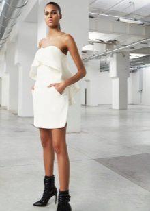 Valkoinen neulottu mekko suora