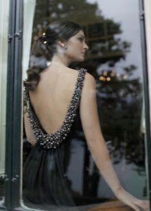 Suknelė su atvira nugara