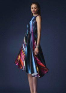 Vakaro spalvinga suknelė