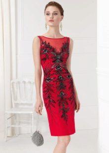 raudona kokteilių suknelė