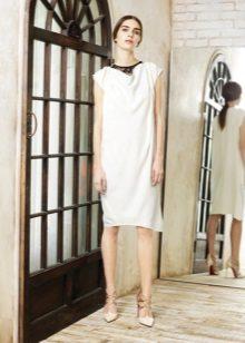 Kiekvienos dienos suknelė yra balta