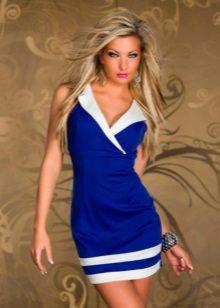 Vestido azul em estilo náutico