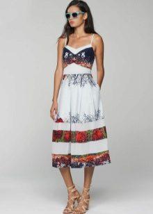 Vestido de verão feito de algodão