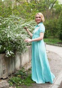 Лятна рокля за жени на 50 години