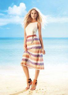 Sapatos coloridos para vestido de verão