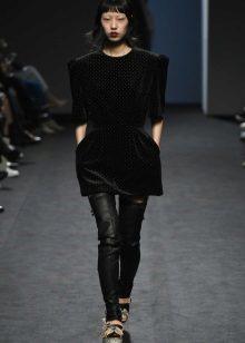 Есенна рокля-туника черна