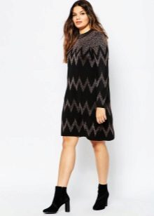 Autumn dress for full with sleeves