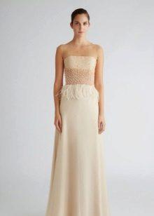 Beige stroppeløs kjole