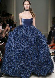 Blå stroppeløs kjole