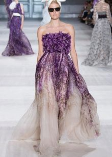 Lila-olkaimeton mekko