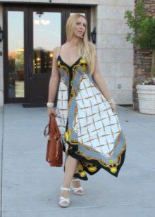 un exemplu de rochie de la batistele pavloposadskih
