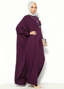 Lange bordeauxrode jurk met vleermuisvrije snit