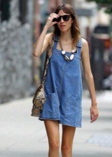 T-shirt dress accessories