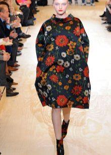 Šaty taška s barevnými boty