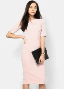 Hvit kjole for bedriftens