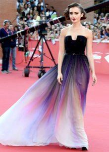 Rochie lungă cu fustă la soare