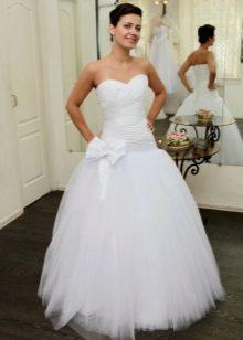 Lage taille trouwjurk met mesh-rok