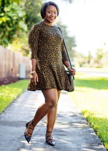 Korte jurk met lage taille voor vol