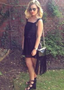 Tilbehør til en svart kjole