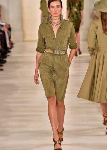 Velvet marsh-mekko sotilaallisella tyylillä