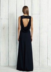 Pakaian hitam dengan panjang belakang terbuka
