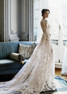 Wedding dress with open back with a train