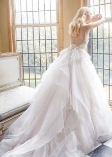 Wedding dress with an open back magnificent