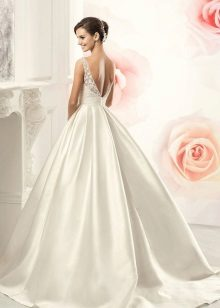 Magnificent dress with an open back wedding