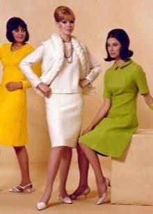 Sapatos para vestidos no estilo dos anos 60 - sandálias e sapatos de salto baixo