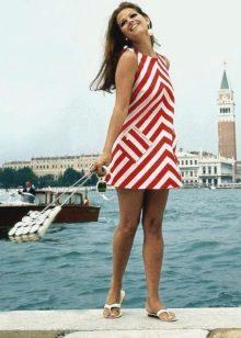 60-luvun raidallinen mekko