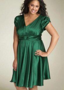 Empire-tyylinen mekko koko lyhyeksi
