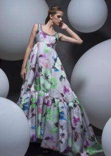 Empire-tyylinen mekko on upea