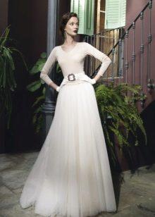 Rochia de nunta este inchisa
